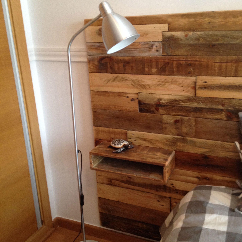 Cabezal de la cama hecho con madera de palets incluido las mesitas cabezales madera - Cabezales de cama de madera ...