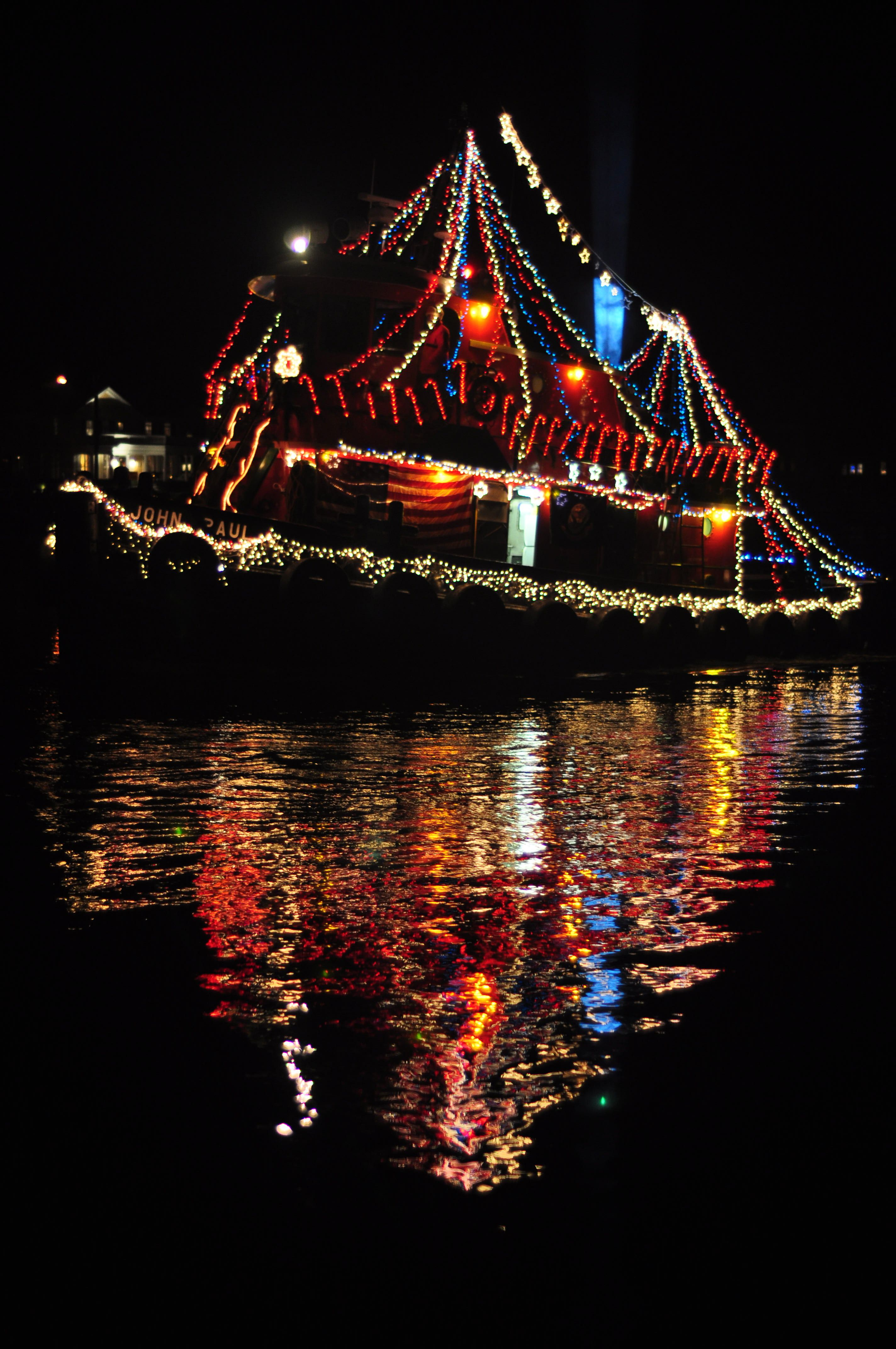 Mystic, CT Christmas Boat Parade.. | must go or must go AGAIN in ...