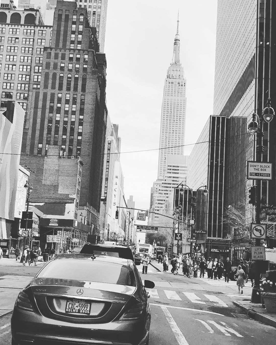 Mercedes benz 280sl car vehicl wrap mercedes benz merced pagoda - Gorden Wagener Gorden Wagener Auf Instagram Mercedes Benz S Class With The Empire State Builing Newyork Empirestatebuilding Mercedes Pinterest