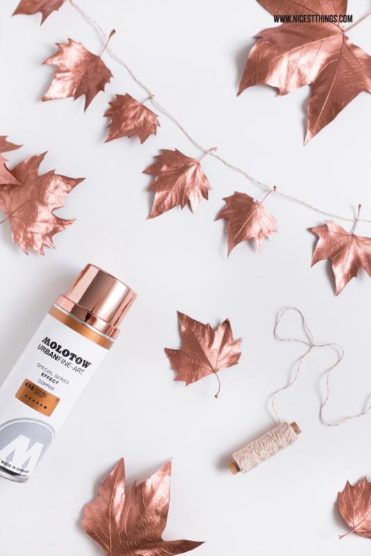 DIY Herbstdeko: Girlande aus Blättern mit Kupfer-Sprühfarbe - Nicest Things