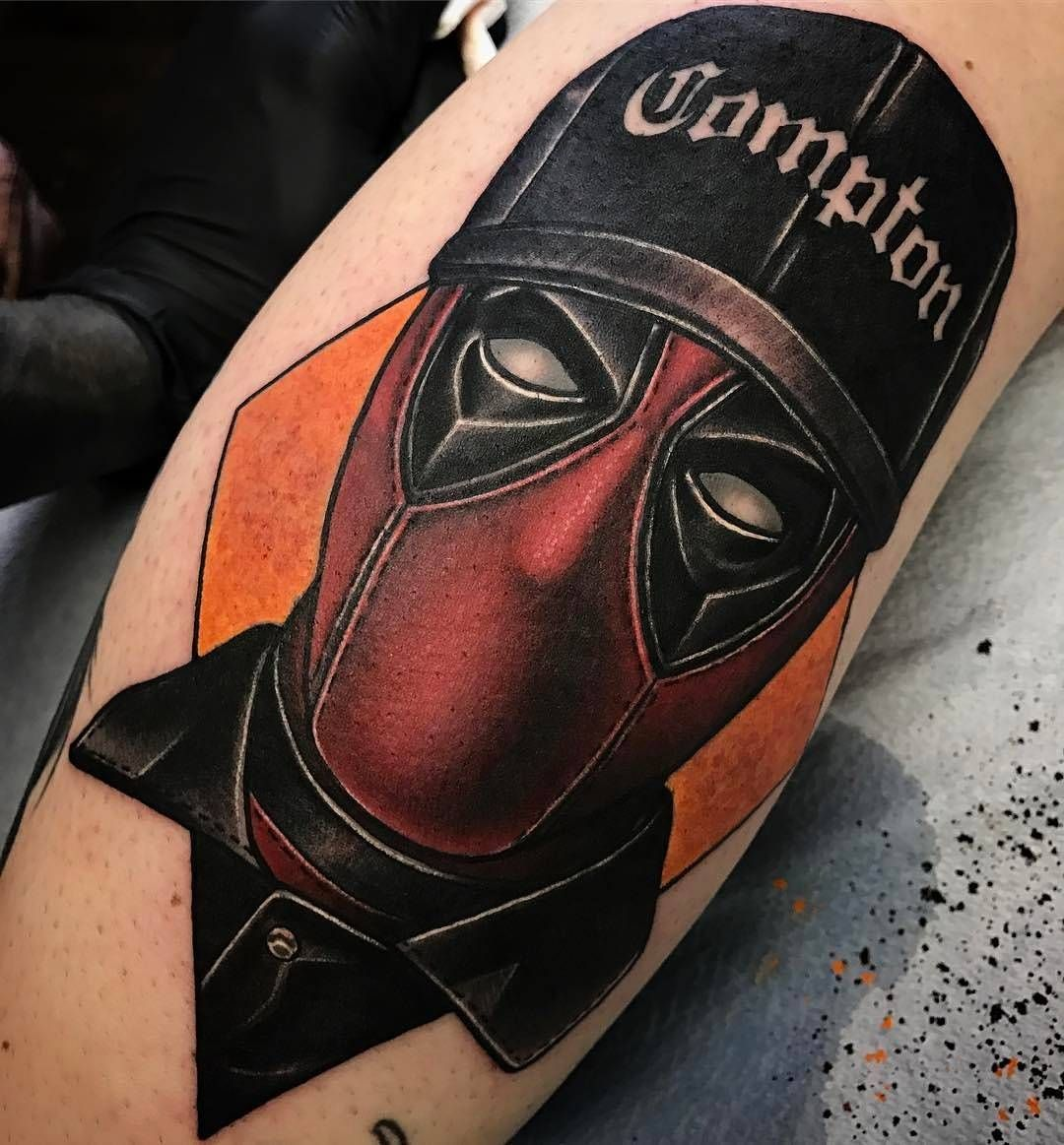 Deadpool Tattoo Outline: Pin By Chelsea Lopez On Tattoos