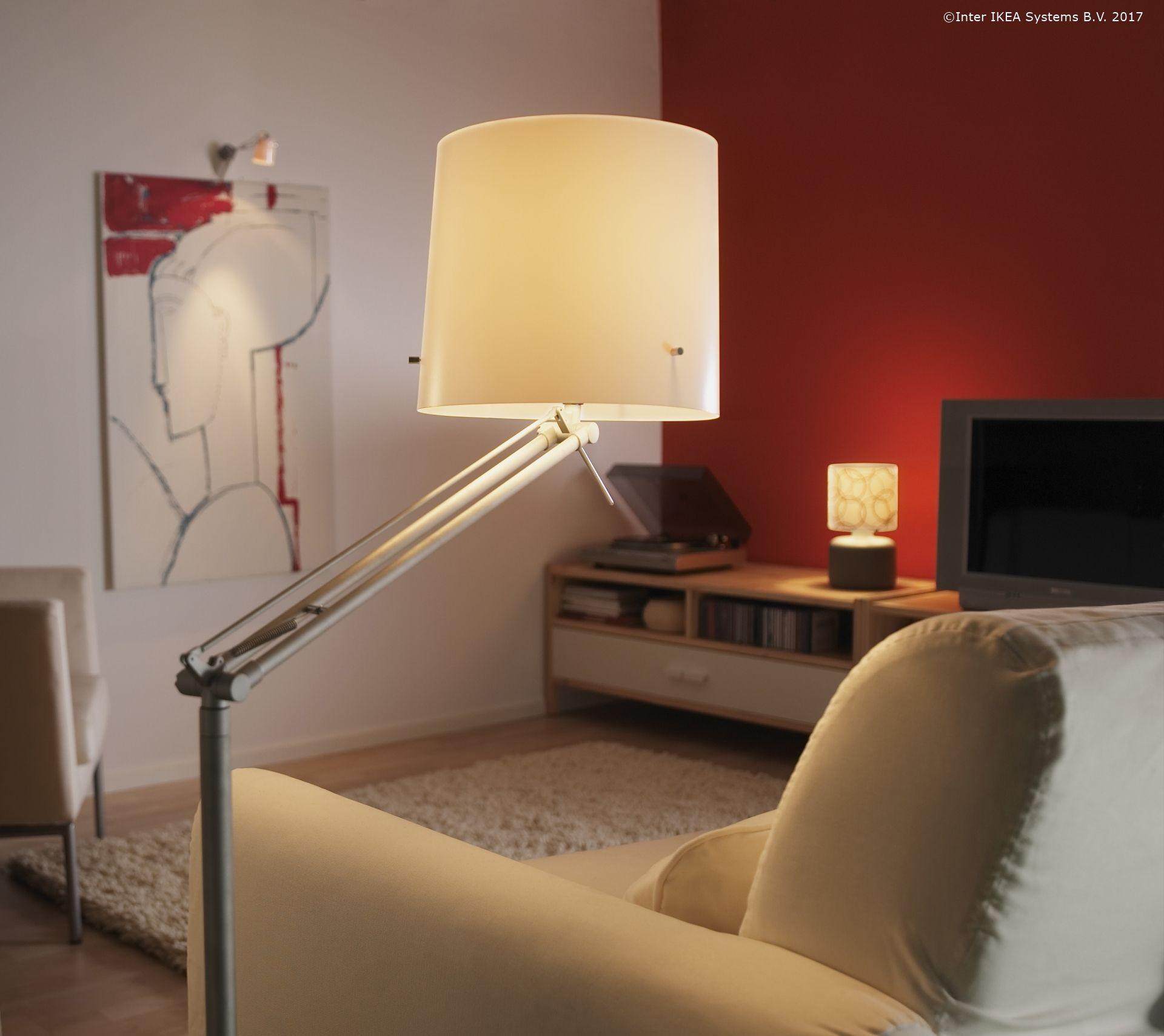 Lampa Samtid Are O Lumină Difuză Care Te Ajută Atunci Cand Vrei Să Citești Cartea Ta Preferată Fără Ca Ochii Să ți Obosească Interer