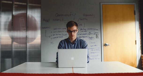 community manager para ganar dinero por internet