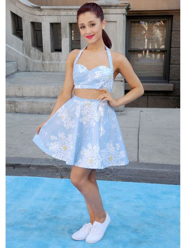 f284f98950 Ariana loves a good crop top! The high waist and knee-grazing length of her  skirt helped make her bralet appropriate for a fancier event.