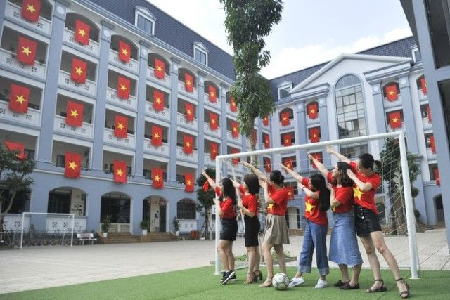 Áo cờ đỏ sao vàng trường Tiểu học - THCS FPT - Hình 5