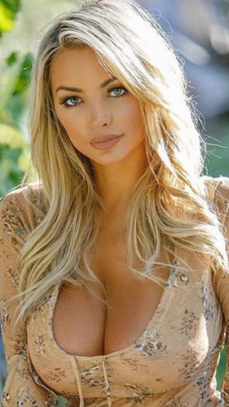Amber heard, beautiful blonde actress