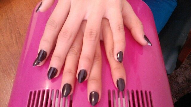 Black almond shaped nails w/sculpting gel