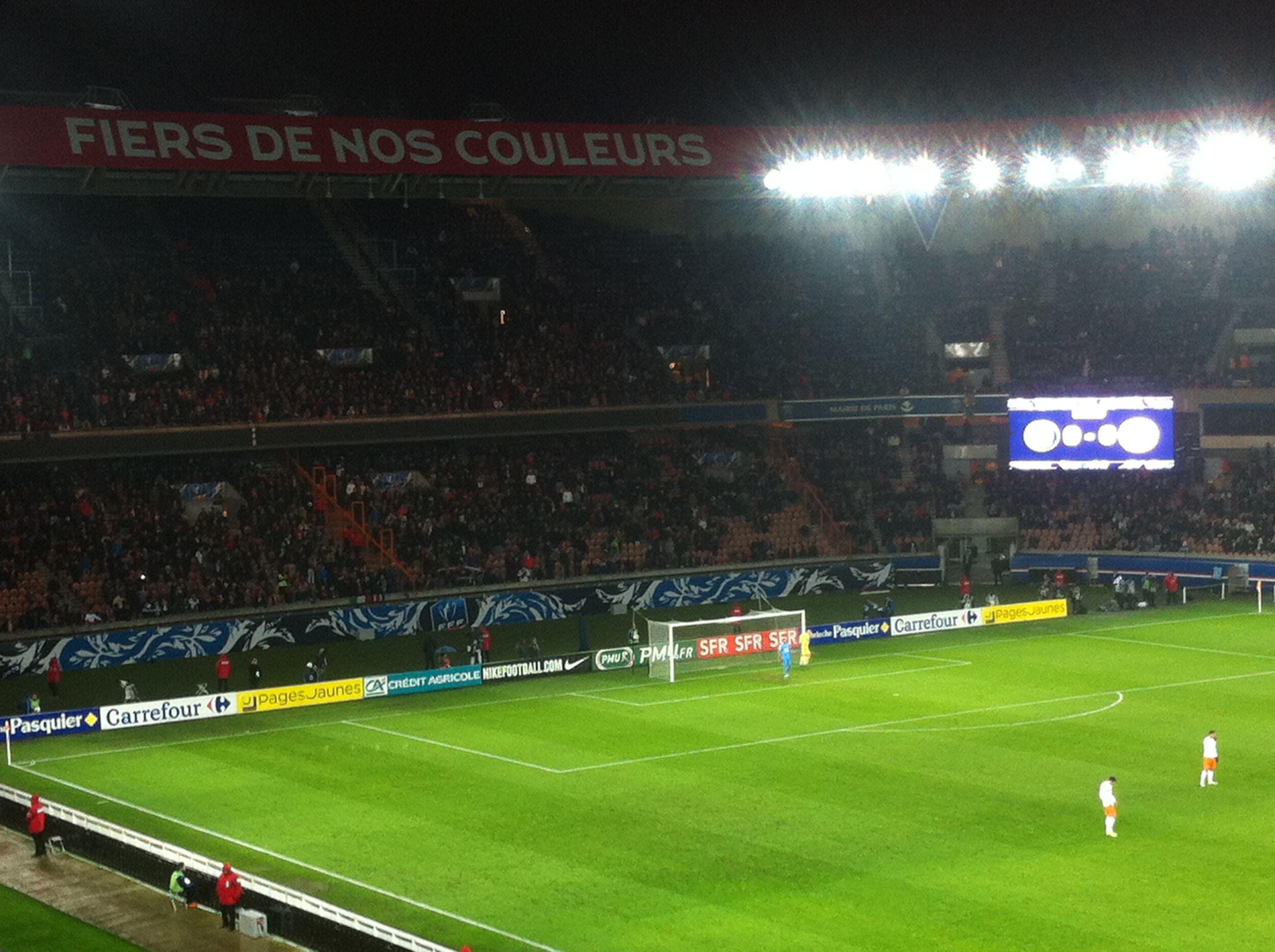 Coup d'envoi de la rencontre entre le PSG et Montpellier