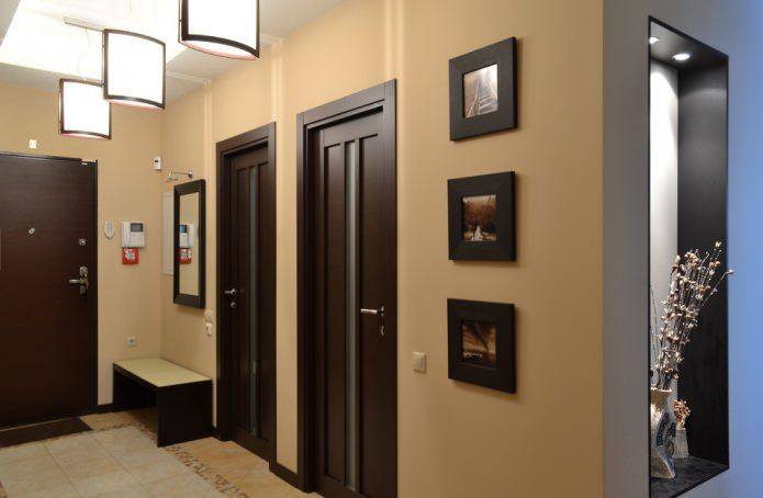 Темные двери в интерьере: сочетание с цветом пола, стен ...