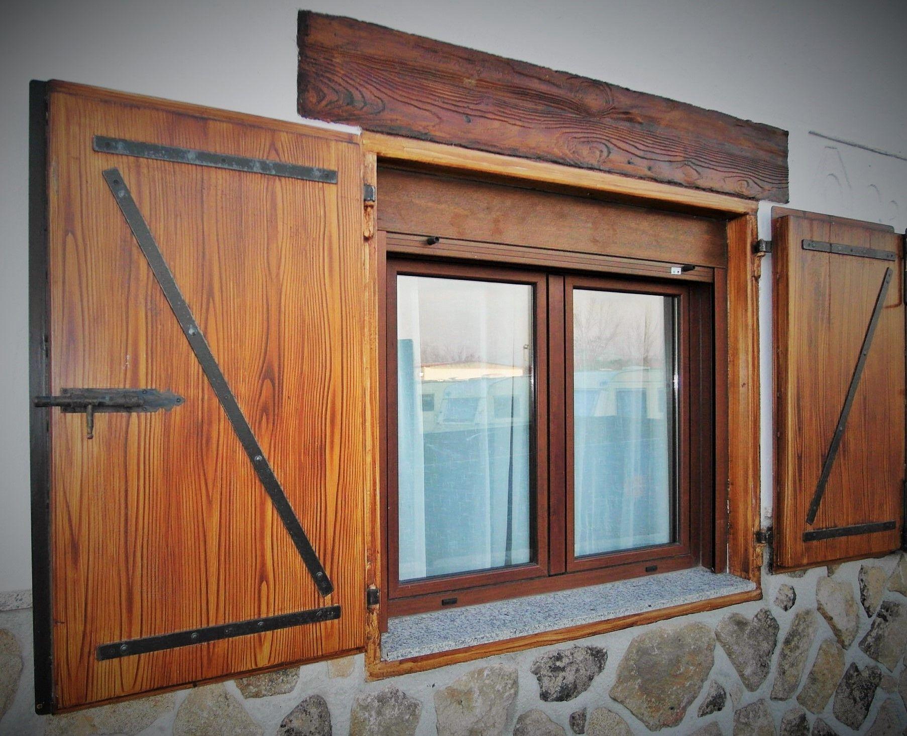Contraventana de acero imitando madera www - Casas de acero prefabricadas ...