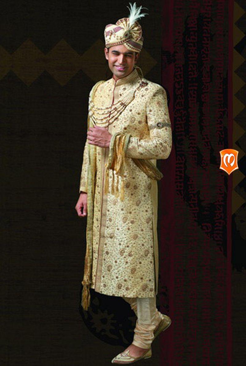 The manyavar rajput trend sherwani for men this piece edged out the manyavar rajput trend sherwani for men this piece edged out the of rajputana ombrellifo Images