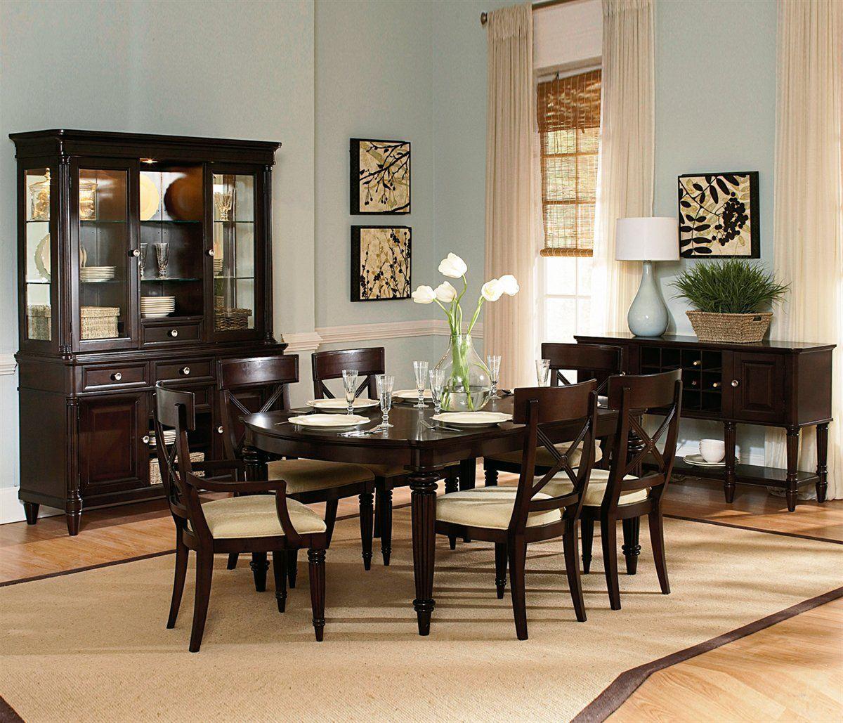 Wynwood Tuxedo Park Dining Set