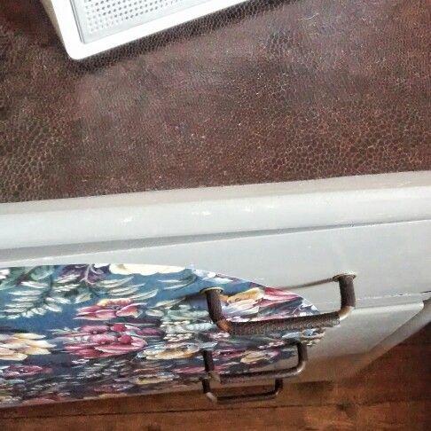 Avant après - commode de récupération - DIY - peinture - papier - Peindre Table De Chevet