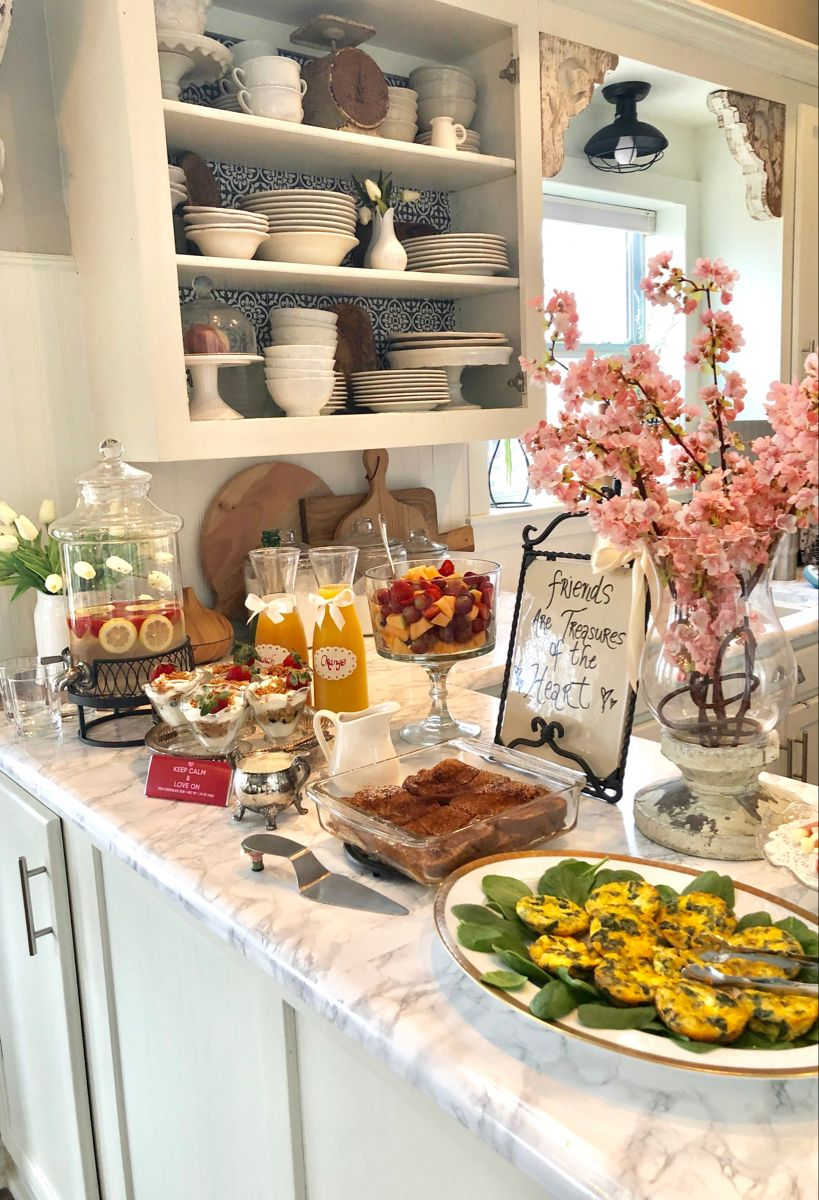 How To Host A Fun Galentine S Day Brunch Hip Humble Style Brunch Party Decorations Birthday Brunch Brunch Buffet