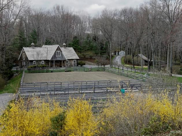 Ron Howard's Greenwich Estate, Horse Arena