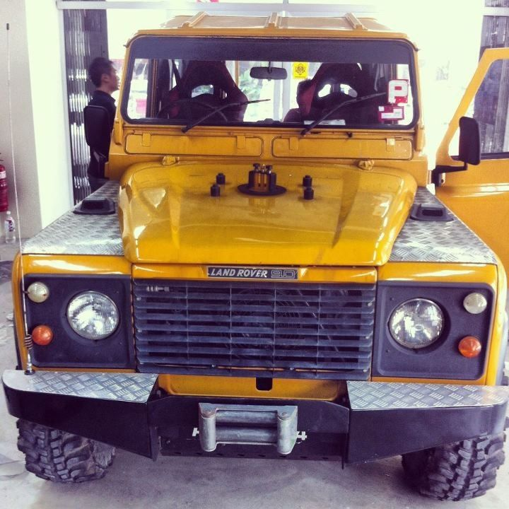 Land Rover tinted with IR film + CS black film