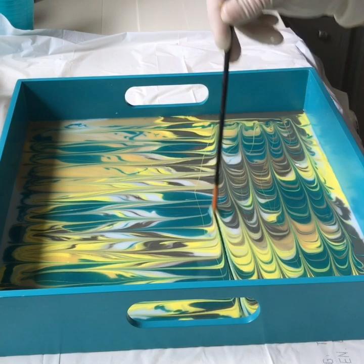 Acrylic & Resin Pour on a Tray - DIY Home Decor