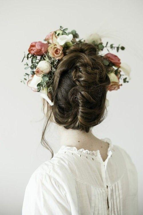 Je veux une couronne de fleurs Cheveux de mariée
