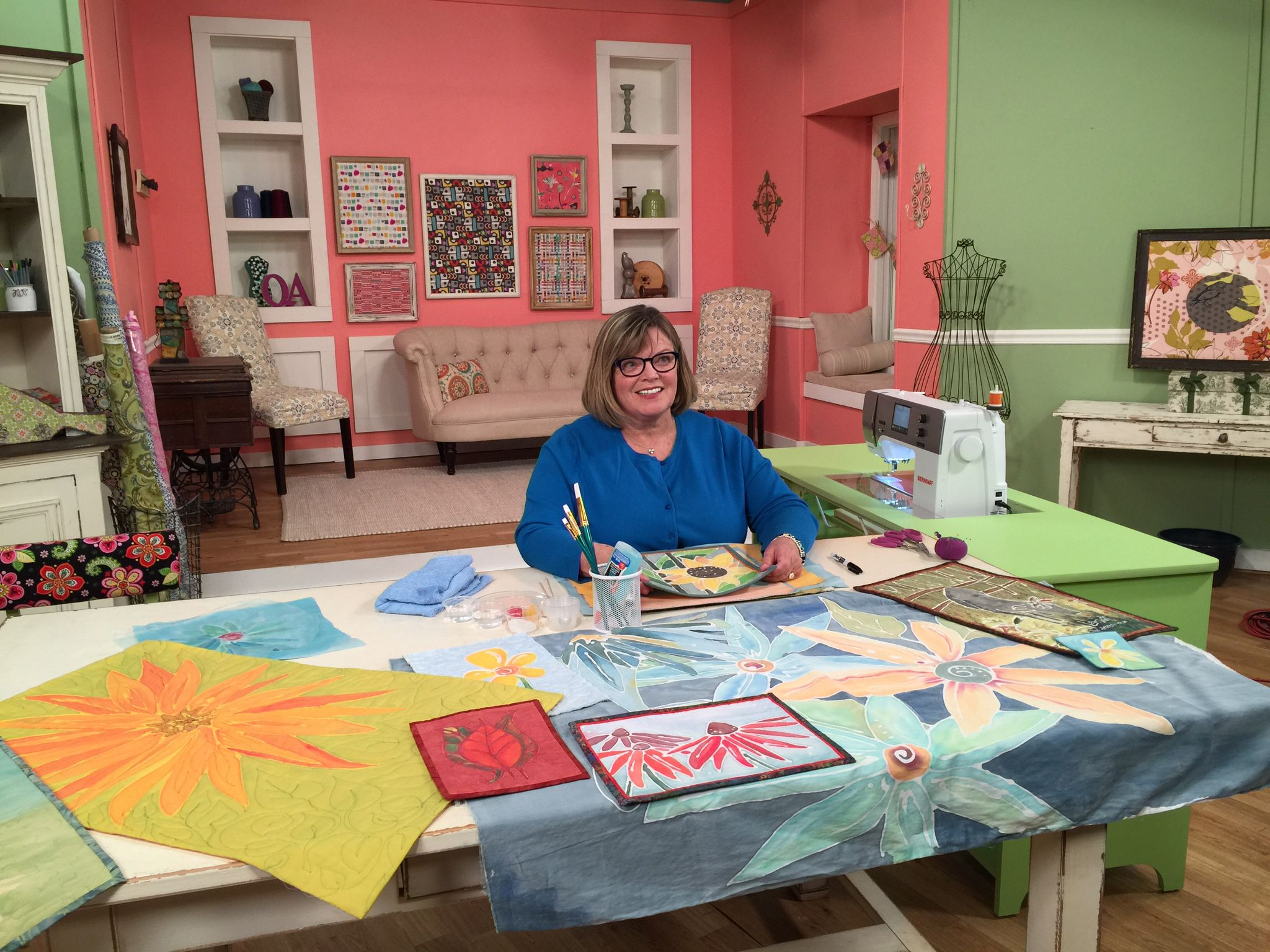 Enid Gjelten Weichselbaum getting ready for a segment on Quilting ... : quilting tv shows - Adamdwight.com