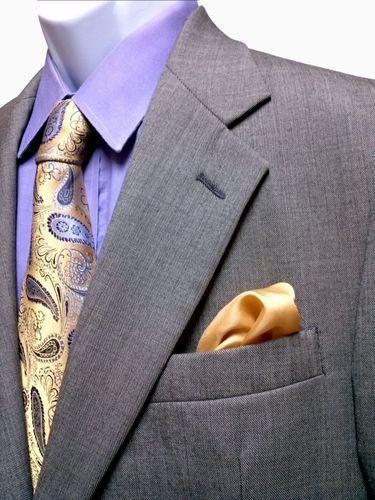 Retail $998 Stunning Brooks Brothers Suit Price : $59.95
