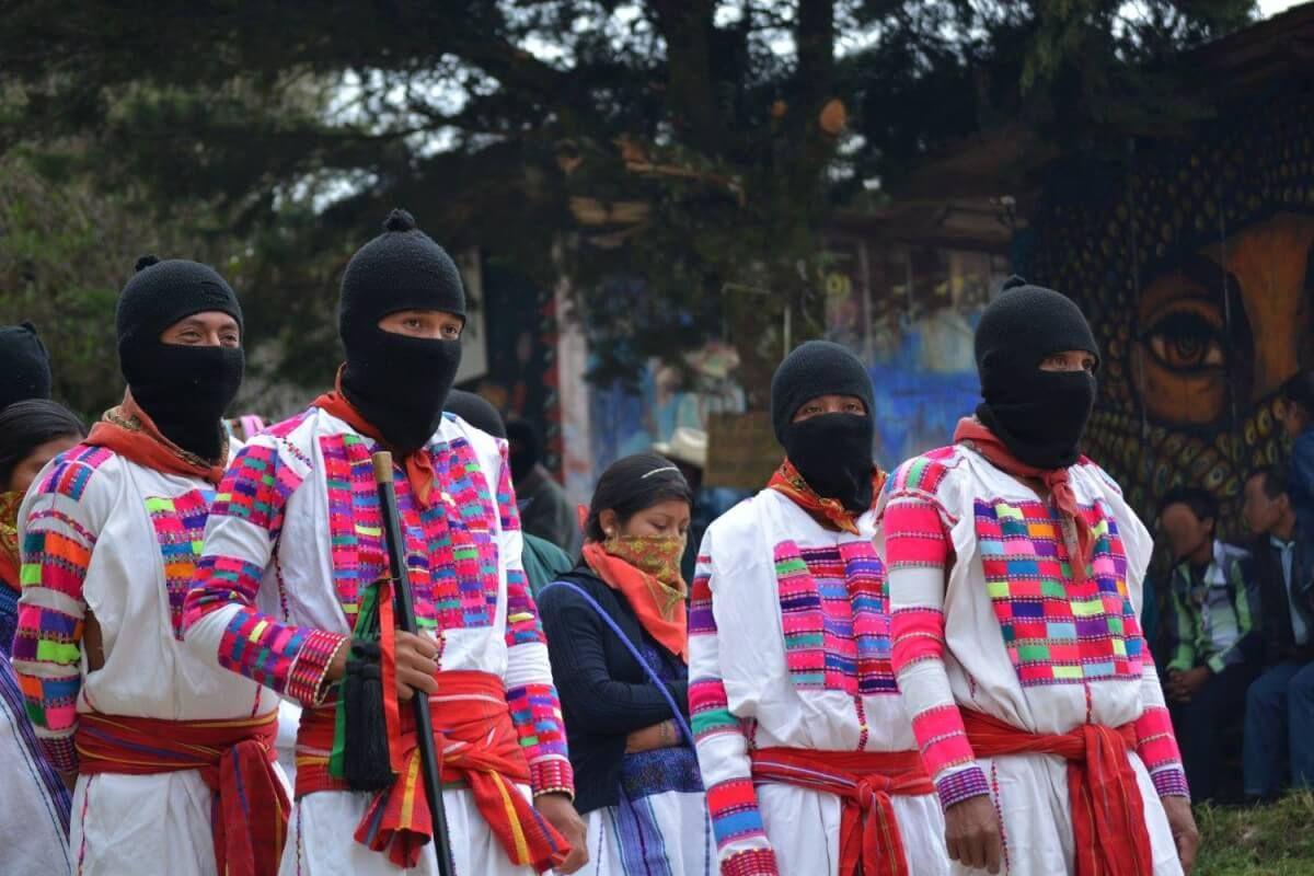 AGRESIONES Y HOSTIGAMIENTO A LOS PUEBLOS EN CONSULTA denuncian CNI y EZLN