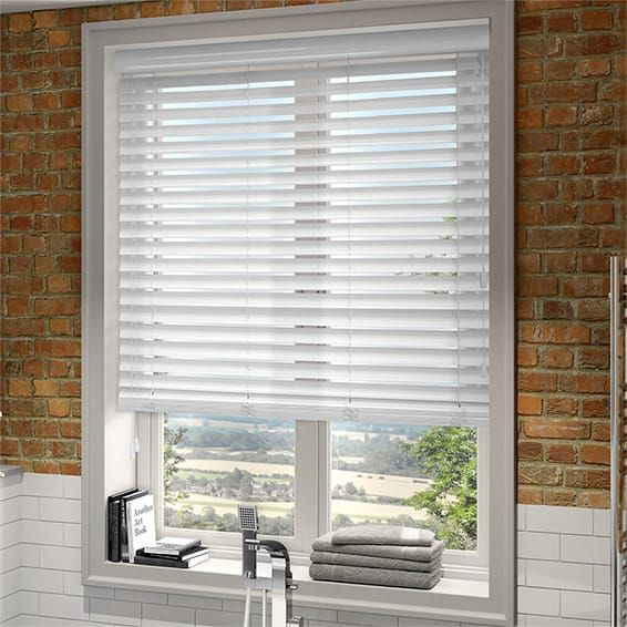 Get White Venetian Blinds Of Quality Decorifusta In 2020 White Wood Blinds Faux Wood Blinds White Faux Wood Blinds