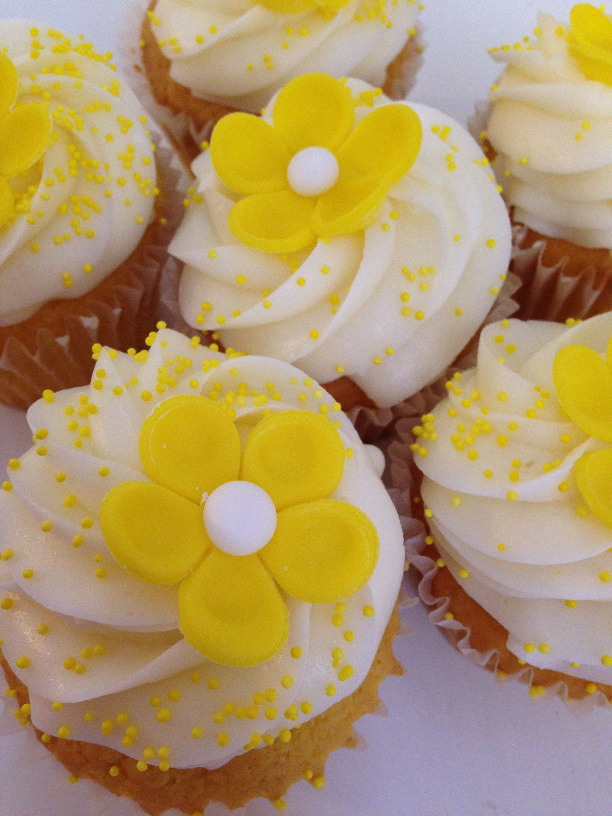 Yellow flower cupcakes custom cupcakes pinterest flower yellow flower cupcakes mightylinksfo