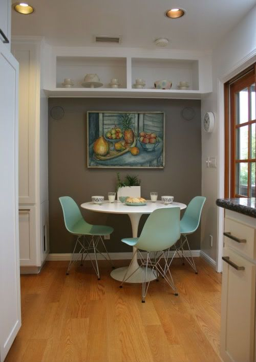 Benjamin Moore Taos Taupe Wall Oak Floors Love The Turquoise Tulip Chairs