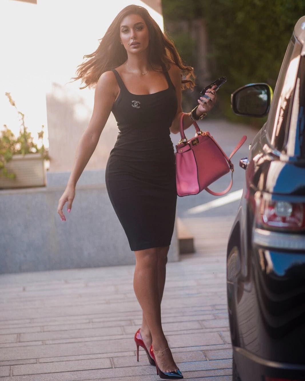 71 4k Likes 378 Comments Yasmine Sabri Yasmine Sabri On Instagram يتمسكون بطفولتهم رغم السنوات تبقى قلوبهم Fashion Outfits Arab Celebrities Fashion
