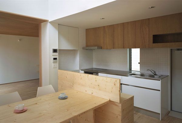 Higashifunahashi House / Kannari Architects Office #kitchen #dining room