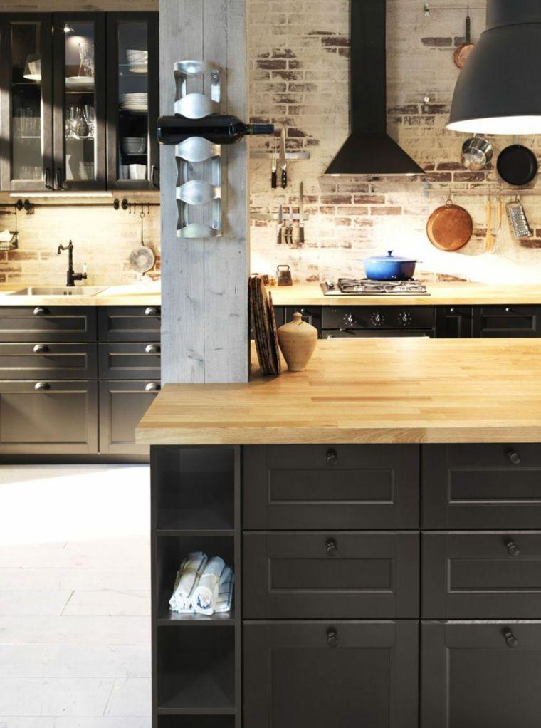 stile-industriale-cucina-ikea-top-legno-colore-nero-cappa-aspirante ...