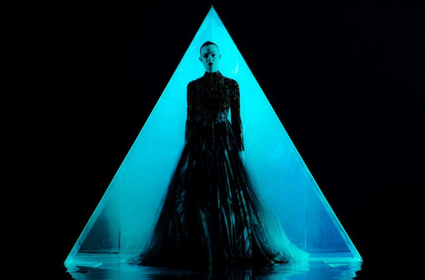 First Trailers For Nicolas Winding Refn's 'The Neon Demon ...