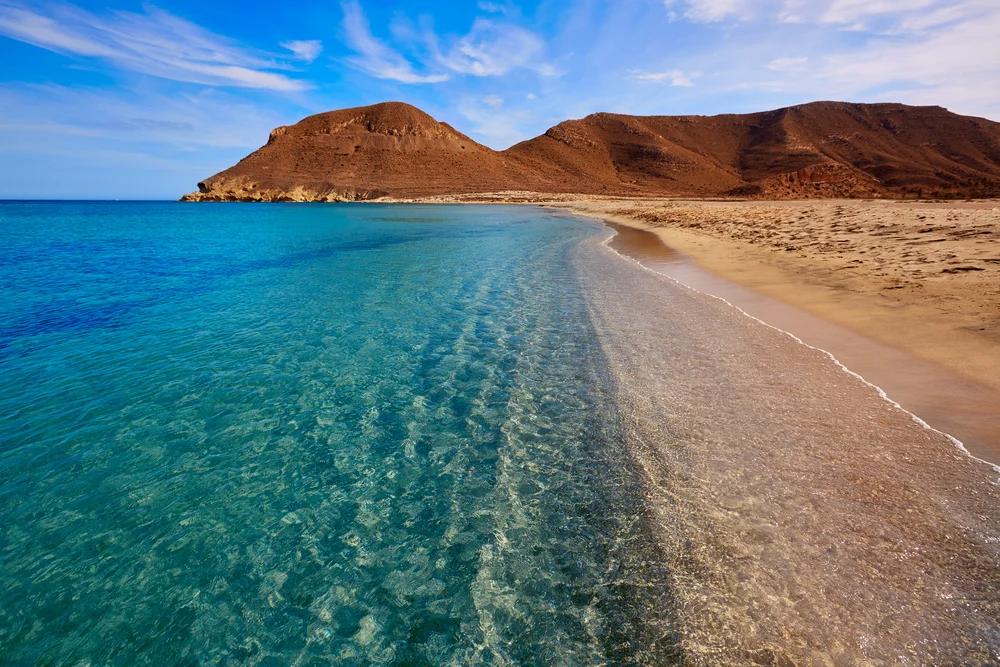 Las Mejores Playas De Cabo De Gata En Almería Mi Viaje Mejores Playas De Andalucia Mejores Playas España Playas Andalucia