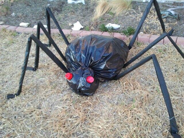 Trash Bag Spider 1 Black Trash Bag 2 3 Black Plastic Rectangle