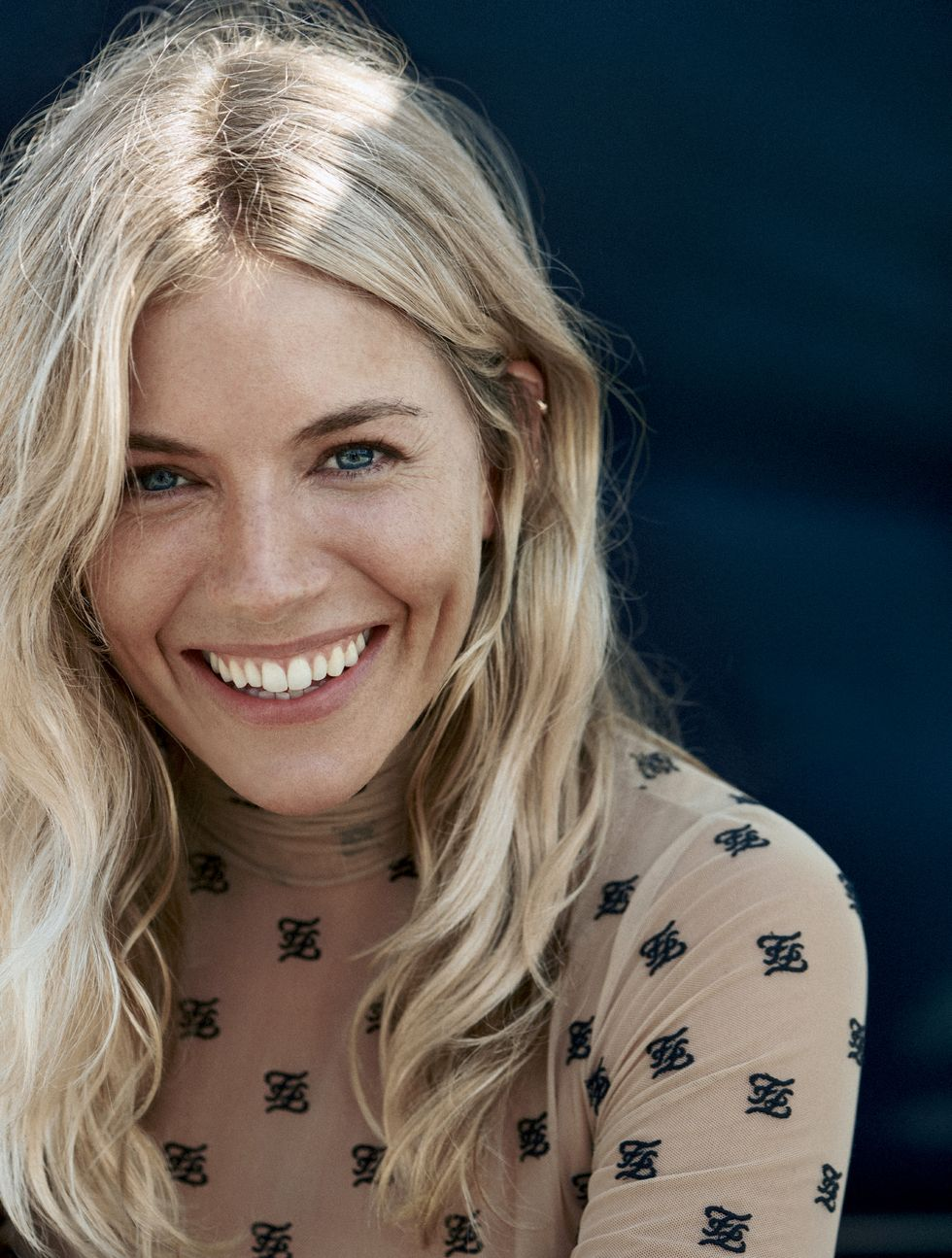 Photo of Sienna Miller On Co-Parenting With Tom Sturridge, Her Run In With Weinstein And Her New Roll