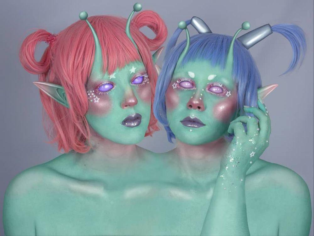 "Setsu on Instagram: ""Pastel Alien Twins"