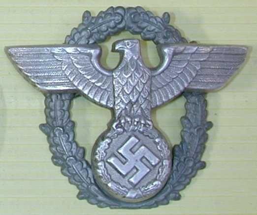 Ww2 German Police M43 Hat Badge: WWII German Police Cap Eagle Wreath Badge