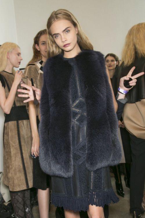 Image via We Heart It #eyebrows #funny #girl #hair #model #caradelevingne
