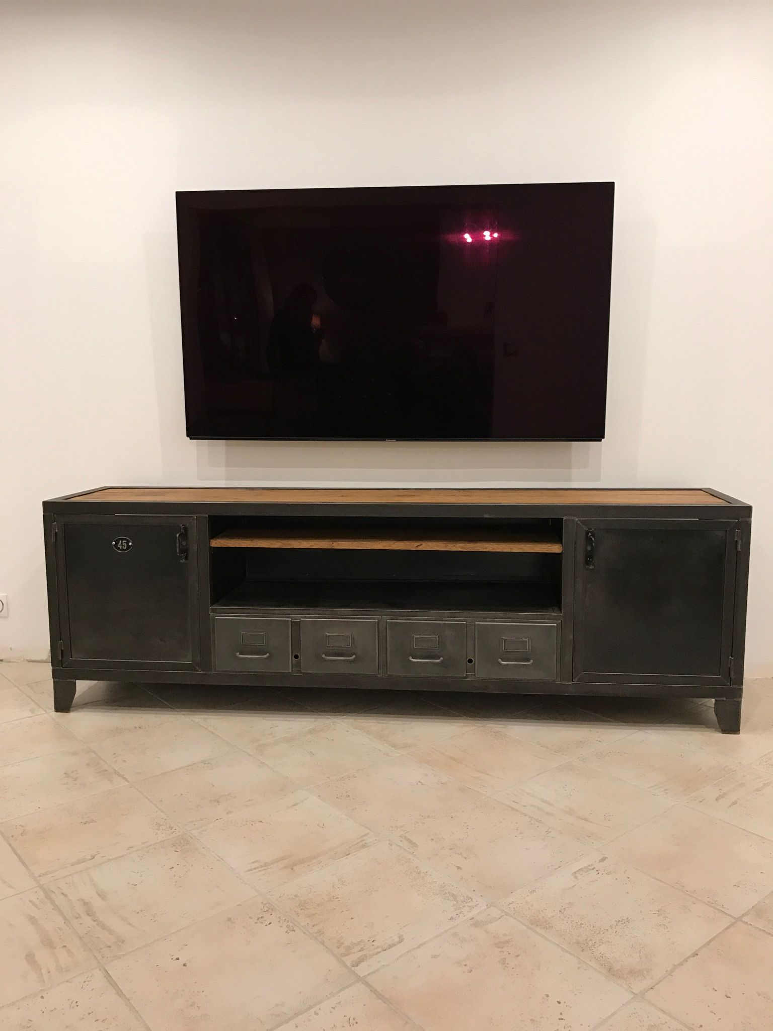 Meuble Banc Tv Industriel Usine Atelier L Or Du Temps Ldt Meuble Tv Meuble Tv Industriel Meuble De Television