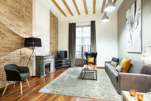 design-ideen-wohnzimmer-wände-rustikal-backstein-deckenbalken-holz - wohnzimmer design wande