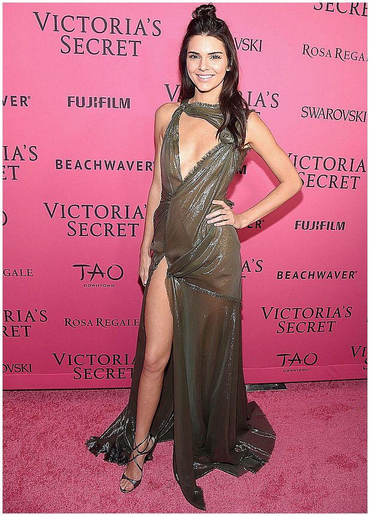 Kendall Jenner – Victoria's Secret Fashion Show in New York, November 2015