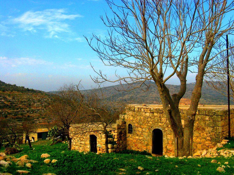 هذا الجزئ المتبقي من بيتنا في فلسطين هنا ولدت وهنا كانت البدايه وكما يقول شاعرنا الراحل الكبير محمود درويش إلى Travel Around The World Great Places World