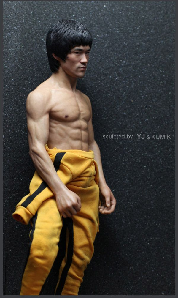 BRUCE LEE collector dolls that lead me to : HotToys.com / Sideshow.com for other amazing collector dolls!!