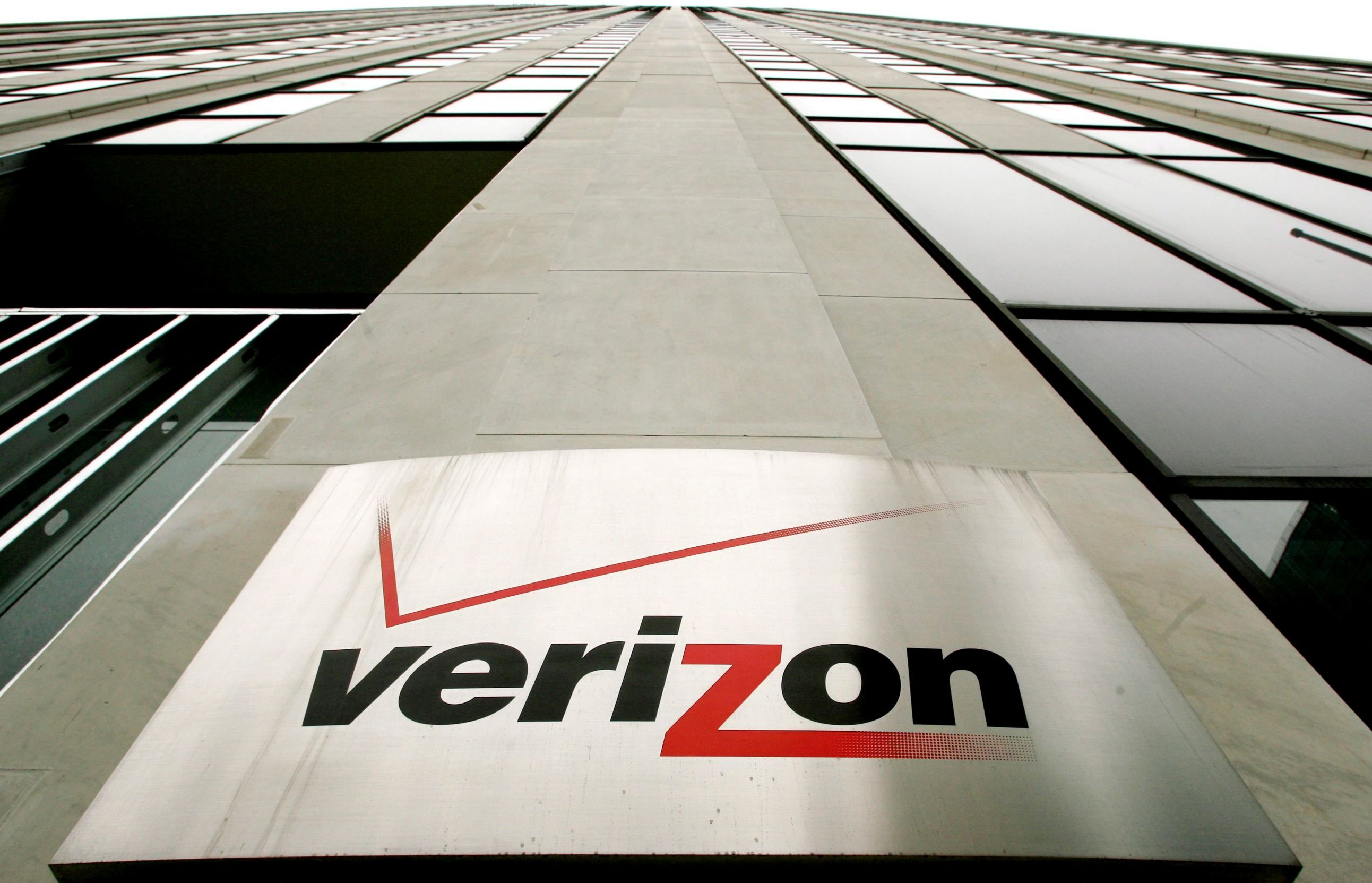 Verizon Is Winner In 4 8 Billion Yahoo Sale Data Plan