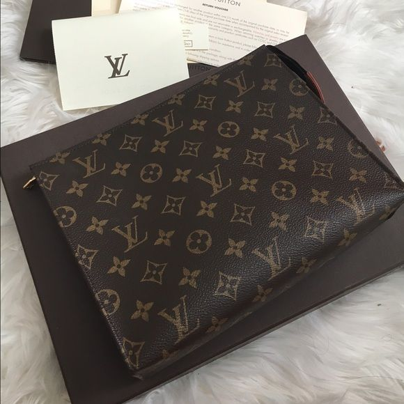 841b9dbbdd67 Authentic Louis Vuitton Toiletry Pouch 26 100% Authentic. PRICE IS FIRM.  You will