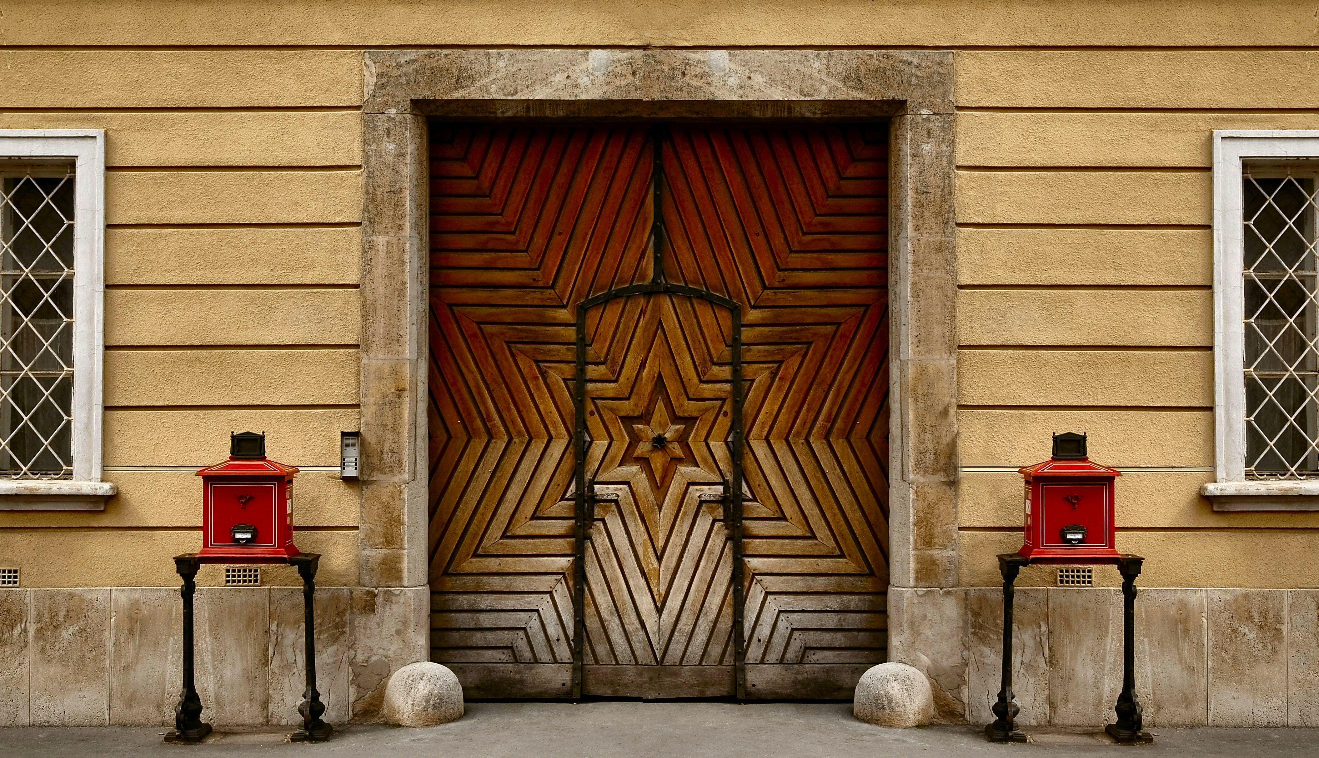 Simetria - Budapeste.