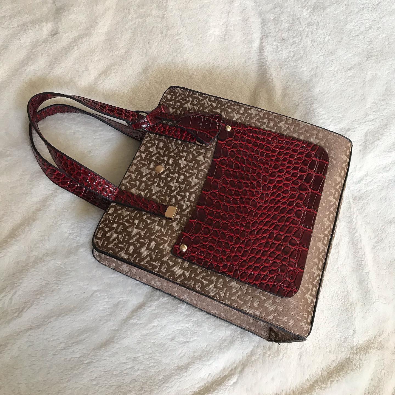 توفر جديد شنطة شكل دكني السعر ٩٠ فقط لون عنابي دكني نسائي Accessories Fashion Belt