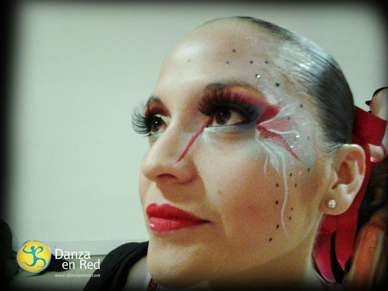 viviana cobos le da el sello original al maquillaje kalu