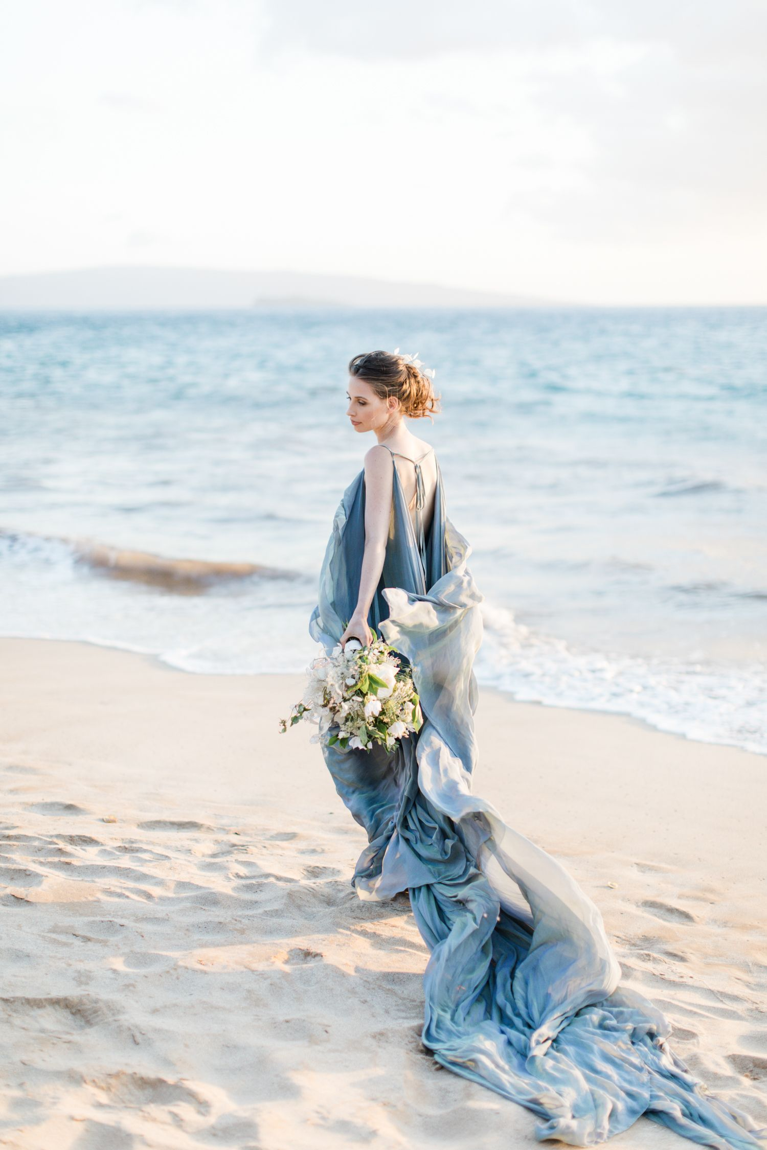 Wedding Inspiration Iana In Hawaii Dress Carol Hannah Photography Matthew Ree Of Cly By Styling Fl Design Designs