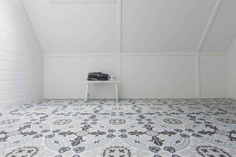 Revoir paris flora met witte metro tegels tiled verandah pinterest